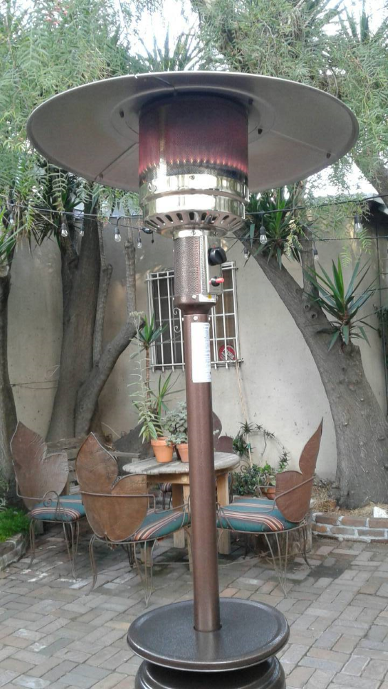 Outdoor patio heater for rent - Big Blue Sky Party Rentals Los Angeles - www.bigblueskyparty.com